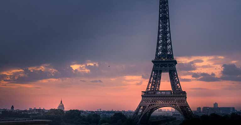 English to French - Photo Eiffel Tower