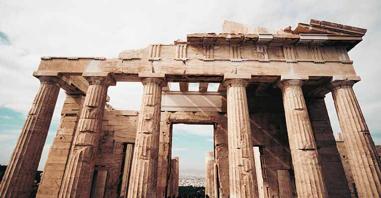 English to Greek - Photo of Columns